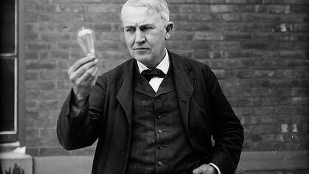 Los mil intentos de Edison para descubrir la bombilla
